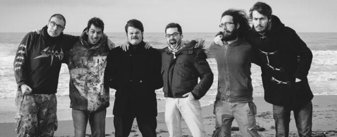 Pinguini tattici nucleari, musica indipendente