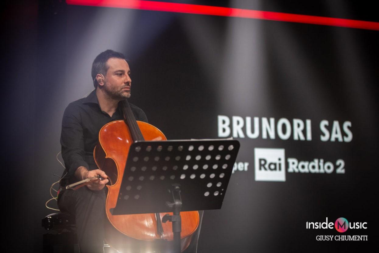 Brunori_Radio2_2020_giusychiumenti-10